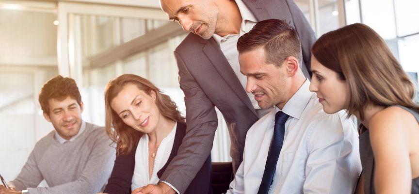 Ny kontroversiel ledelsesteori: Ansatte bliver motiveret af løn