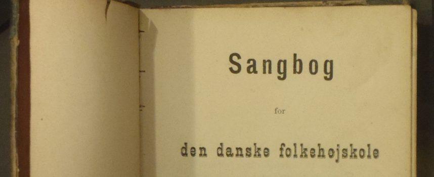 Nazistiske højskolesangere hærger Danmark