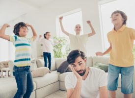 Regeringens stresspanel vil afskaffe børn