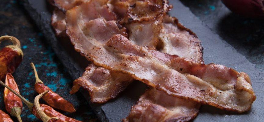 Mand levnede bacon