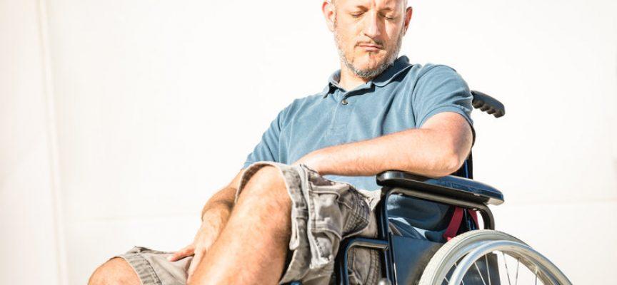 """Spasser træt af at blive kaldt """"menneske med handicap"""""""