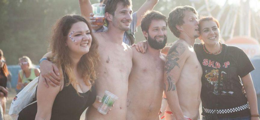 Roskilde Festival: Nu skal nøgenløb foregå med tøj på
