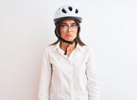 Cyklister raser over fortsat at være i live