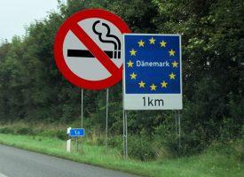 Sundhedsminister: Rygere skal gå uden for Danmark for at ryge