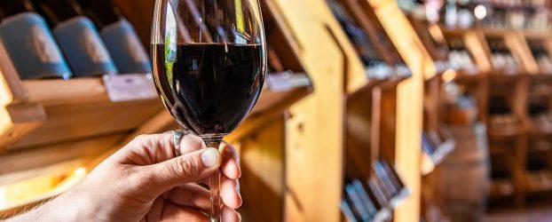 Ny corona-aktivisme: Solidaritet med vinhandlerne!