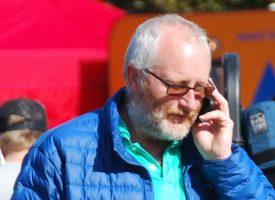 Danmark åbner: Nu må Peter Aalbæk klaske elever i numsen igen