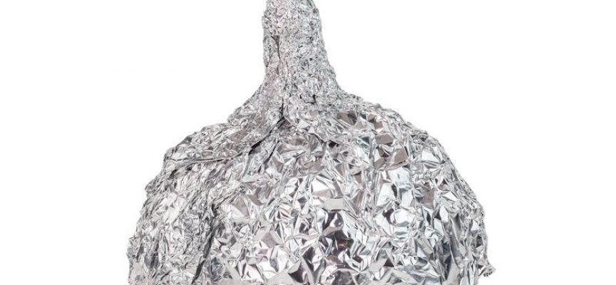 Efter corona-vaccine: Butikker melder udsolgt af sølvpapir (fra fremtidsarkivet, 17. august 2021)