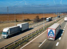 Breaking: Lastbil på vej med krydderboller til Aldi