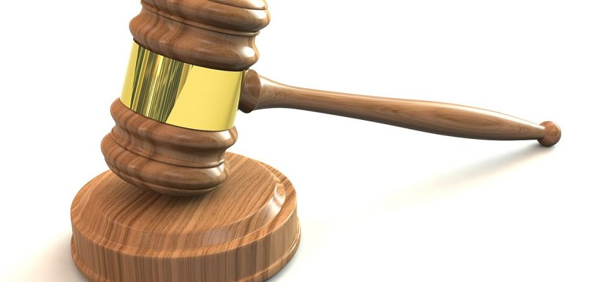 Medier raser: Domstole stjæler vores arbejde