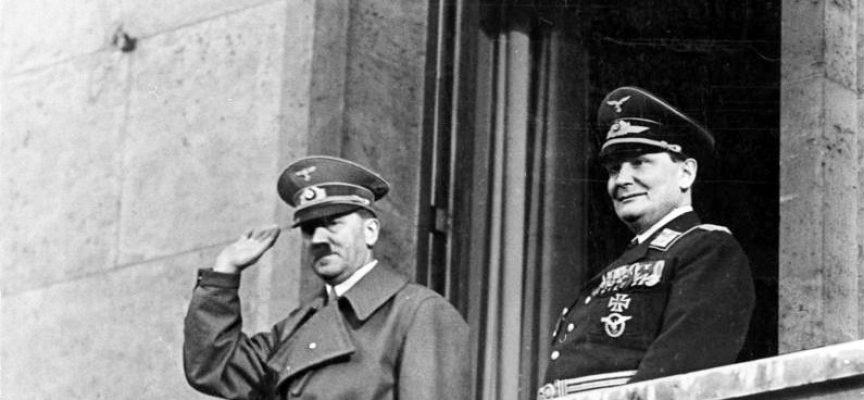 Hitler raser: Blev offer for nulfejlskultur i det offentlige (fra arkivet, april 1945)