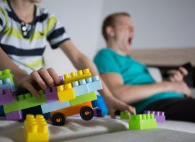 Brevkasse: Hvordan fortæller jeg min treårige, at hans lege er kedelige?