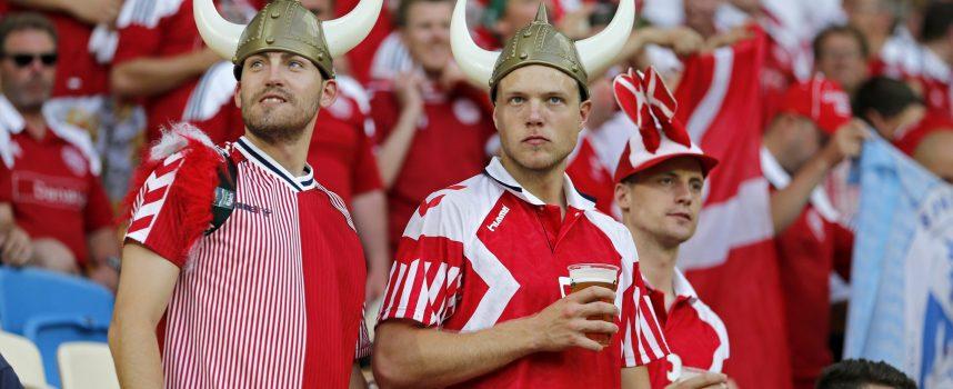 Danmark holder vejret: Bliver der drukfest igen i aften?