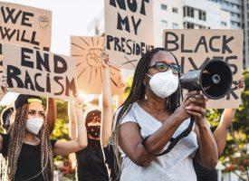 Black Lives Matter jubler over Cosby-løsladelse: En sejr for sortes rettigheder