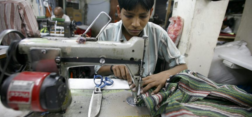 Modeindustri tager socialt ansvar: Vil bekæmpe børne-arbejdsløshed i Asien