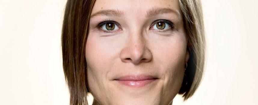 Astrid Krag udgiver selvbiografi med undskyldning til mobbeofferet Thyra Frank